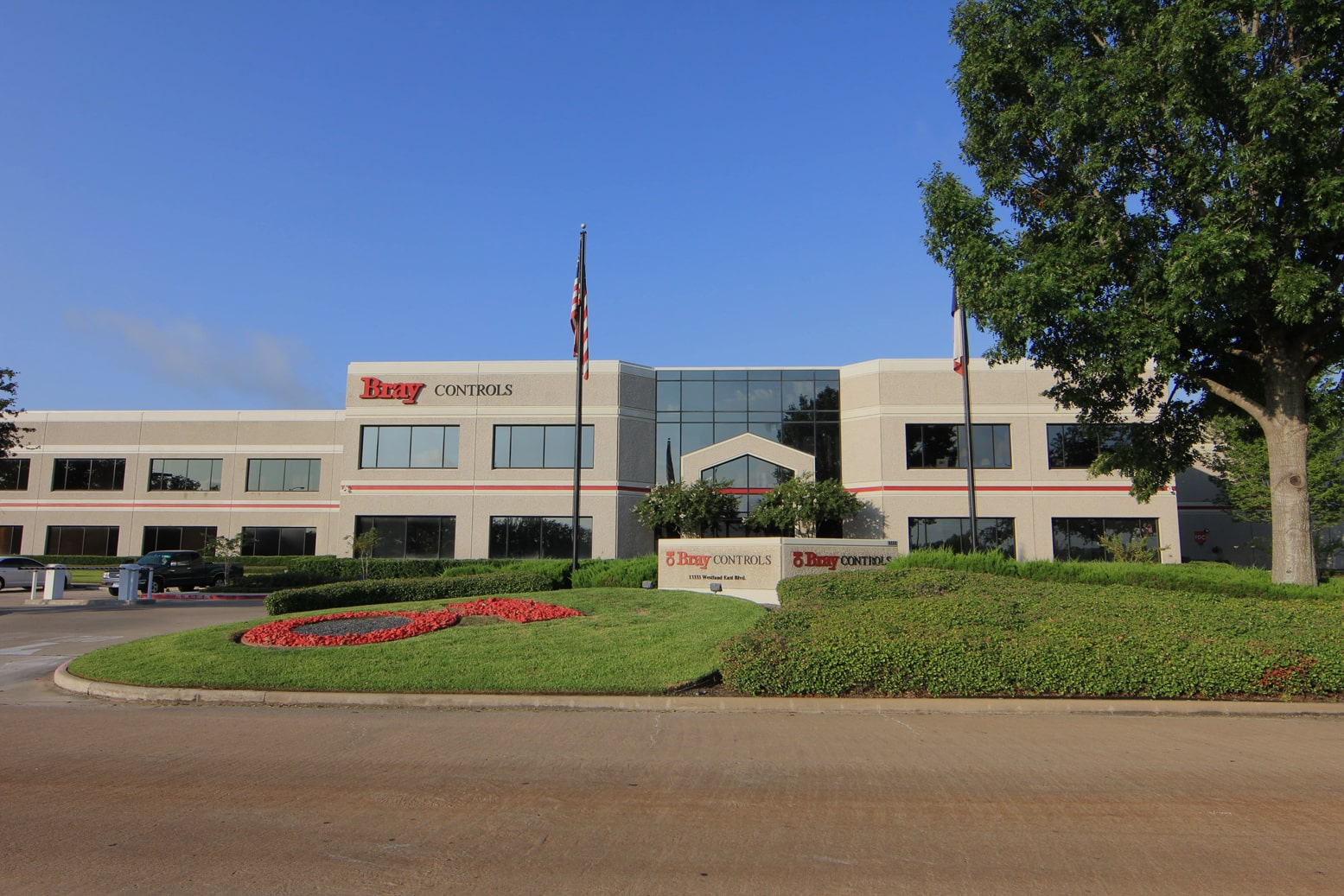 Fachada da sede da Bray Controls - Bray International em Houston